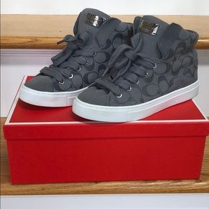 COACH - Like new signature suede high top sneaker